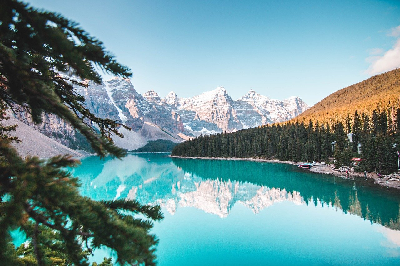 Canada - 10 Happiest Countries To Live In The World 2020 | HolidayPorch